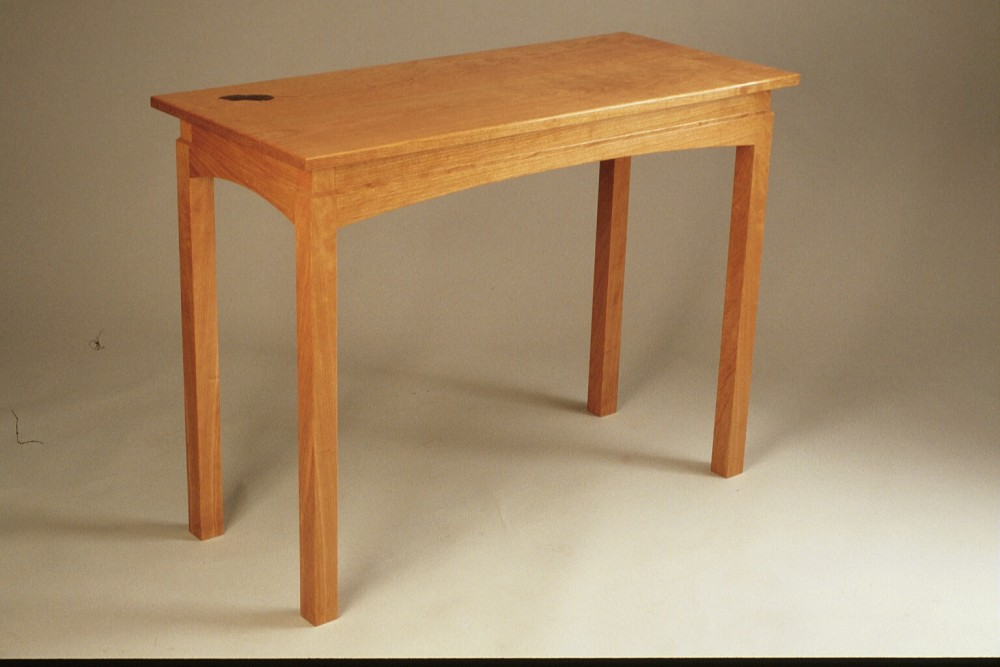 608 Hall Table With Leaf Inlay