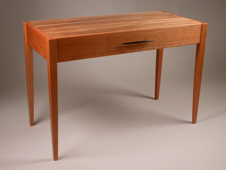 511 Contemporary Writing Desk